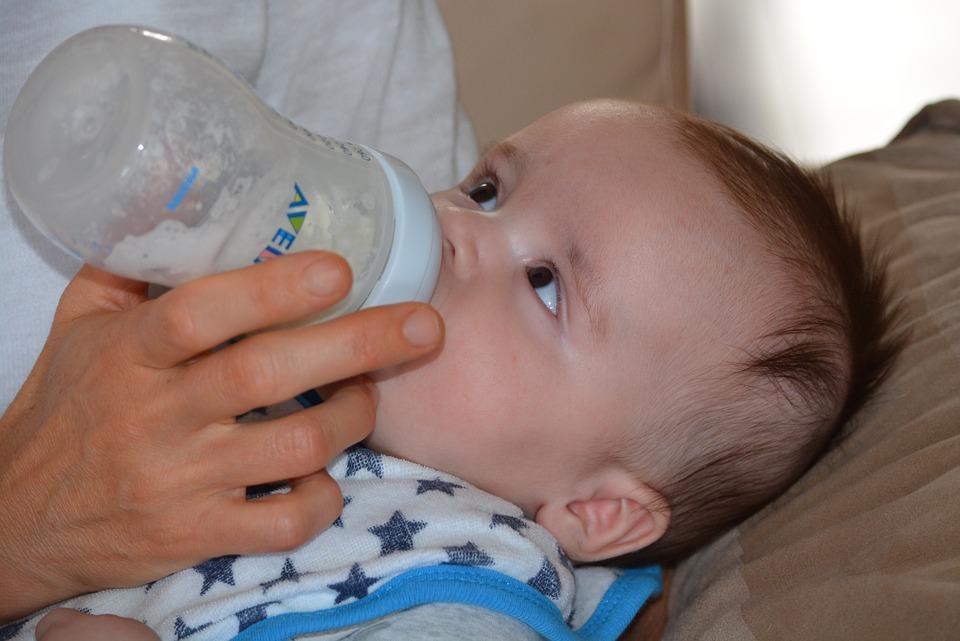 sữa-cho-trẻ-sơ-sinh